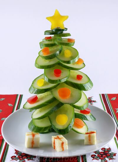 Christmas-tree-vegan-snack-for-kids-made-of-cucumber-step4b