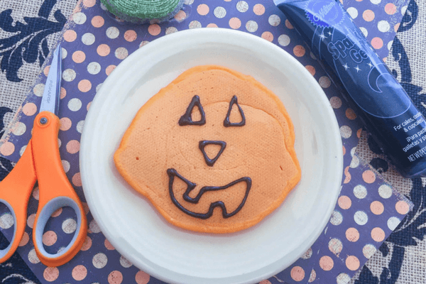 how-to-make-halloween-pancakes-3