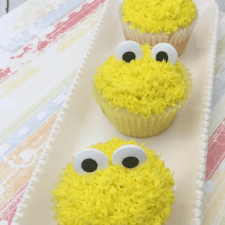 Easy Big Bird Cupcakes