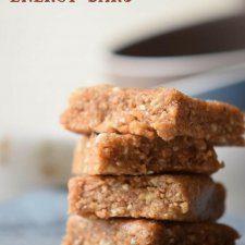 Easy 3-Ingredient Homemade Protein Bar Recipe