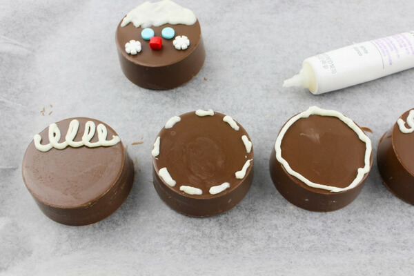 how-to-make-oreo-gingerbreadmen-3