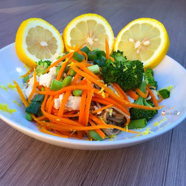 Get dinner on the table in 30 minutes or less AND promote a healthy gut with this deliciously tangy Lemon Miso Chicken Noodle Bowl.