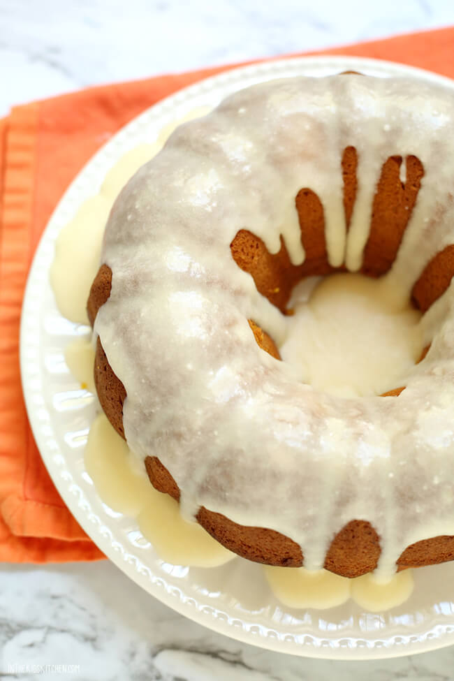 Easy box mix hack to make a perfectly moist pumpkin bundt cake every time - This will be your new favorite fall dessert!