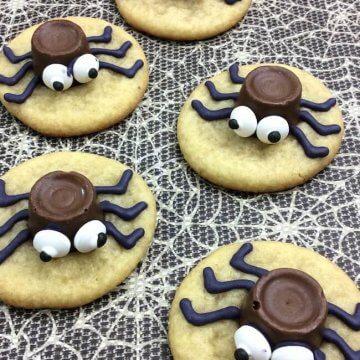 Cute & Easy Halloween Spider Cookies