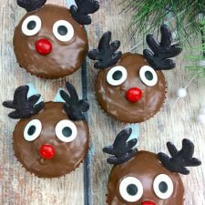 Easy Rudolph Reindeer Cupcakes