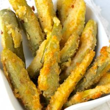 Restaurant-Style Easy Fried Pickles