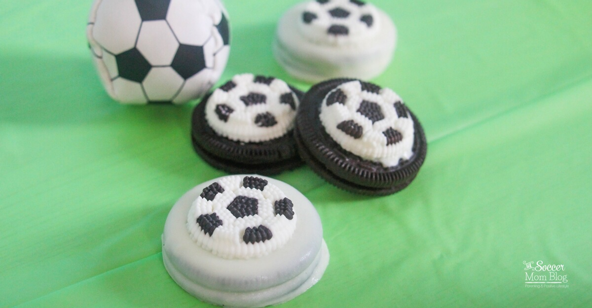 soccer oreos on The Soccer Mom Blog - Father's Day food ideas