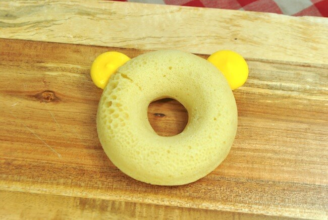 how to make Winnie the Pooh donuts