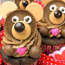 Valentine Teddy Bear Cupcakes