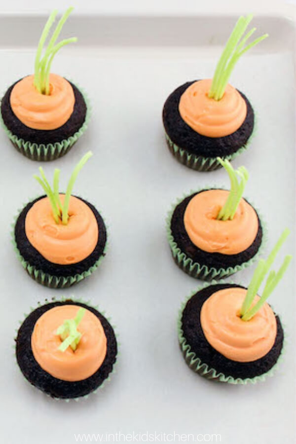 These clever Carrot Patch Cupcakes are perfect for an Easter party and they're a breeze to make!