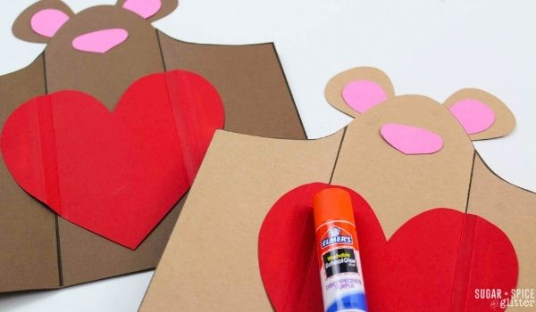 making teddy bear candy bar wrappers with construction paper